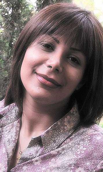 neda soltan wearing cross